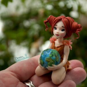 niña y planeta